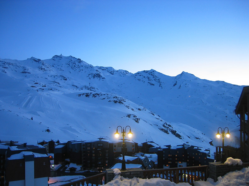 Val Thorens 2006 - Val Thorens as the sun's setting.