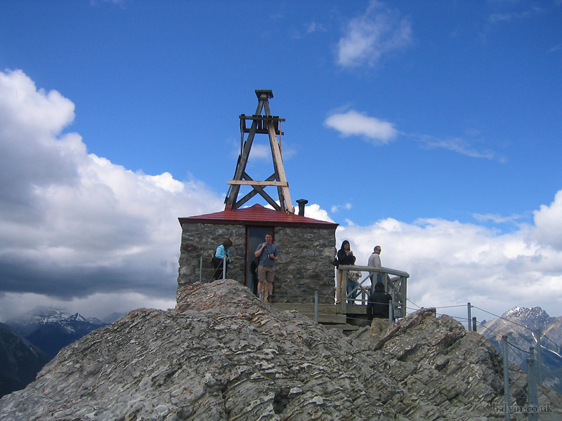 Canada 2006 - A weather station, maybe, at the top of Sulphur Mountain.
