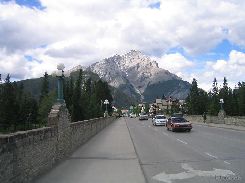 Canada 2006 - Banff main strip.